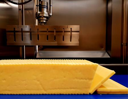 Ultrasonic food slicing
