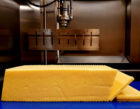 industrial ultrasonic cutting for cheese